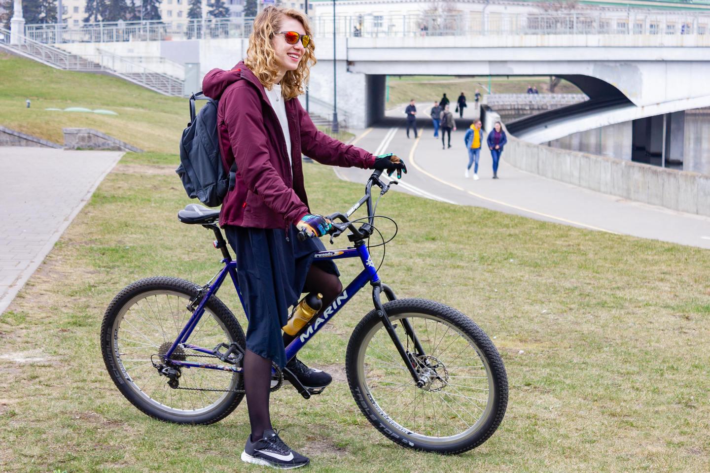 В чем ездить на велосипеде на работу девушке вебкам приложения для работы